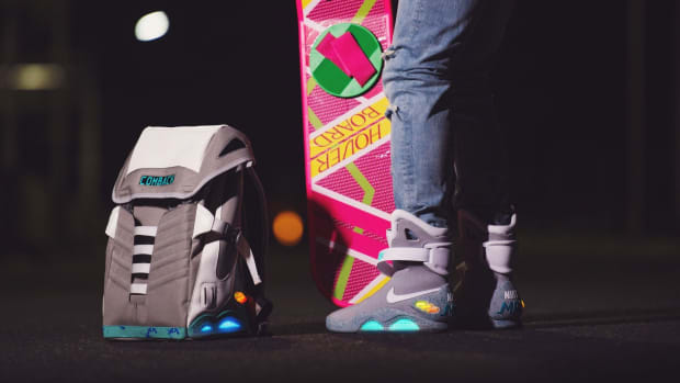 comback-to-the-future-backpack-01.jpg