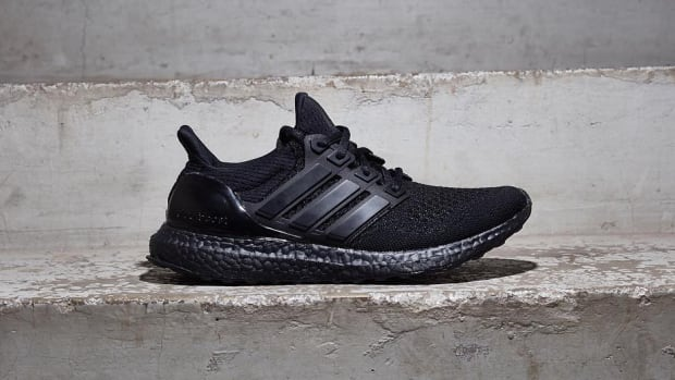 adidas-ultra-boost-triple-black-01.jpg