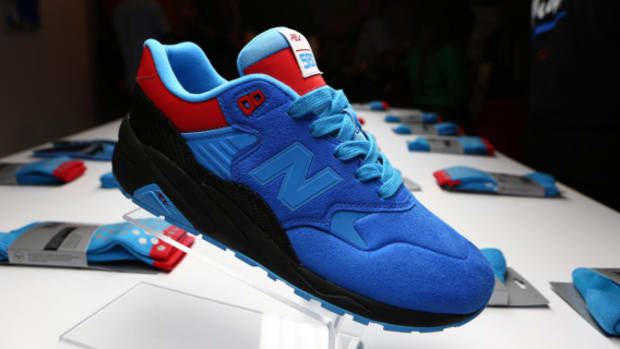 shoe-gallery-new-balance-580rev-tour-de-miami-02