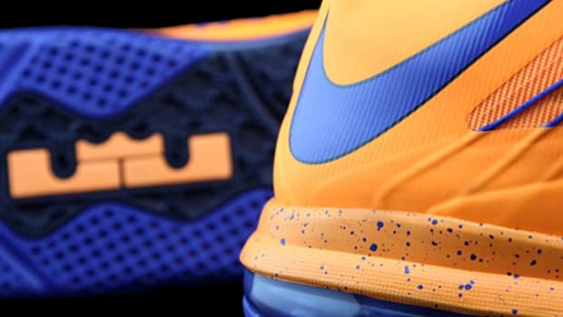 nike-lebron-x-low-hwc-hardwood-classic-orange-royal-01