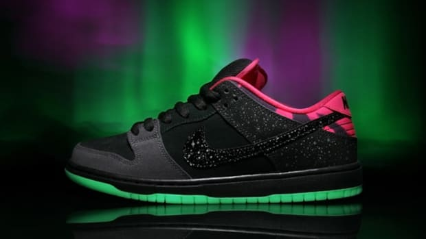 premier-nike-sb-dunk-low-northern-lights-02