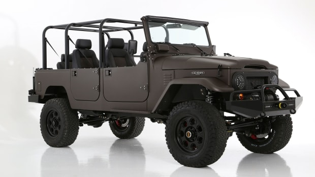 the-special-edition-icon-jeep-fj44-1.jpg