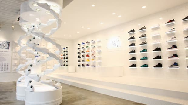 nike-air-force -1- xxx-anniversary- the-pivot-point-pop-up-shop-tokyo-00