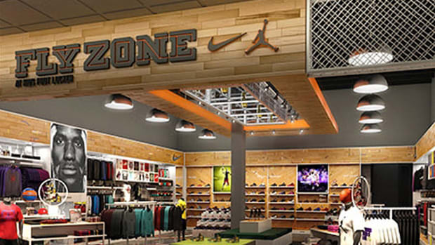 nike-fly-zone-at-kids-foot-locker-palisades-mall-02