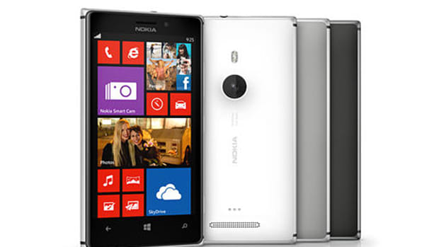 nokia-lumia-925-officially-unveiled-01