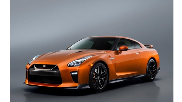 nissan-gt-r-revealed-in-new-york-0.jpg
