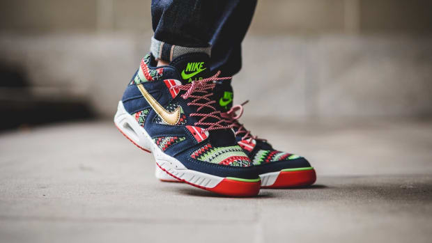 the-nike-air-tech-challenge-3-christmas-edition-goes-ugly-sweater-1