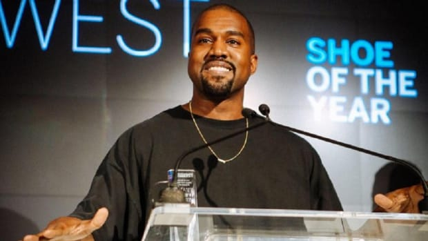 kanye-wests-yeezy-boost-wins-shoe-of-the-year-award-from-fnaa-1
