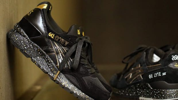 atmos-asics-gel-lyte-v-black-gold-00