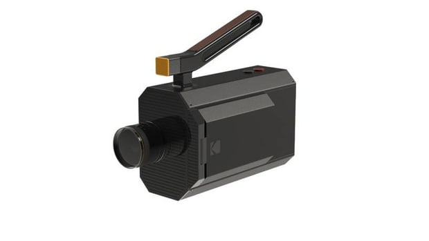 the-kodak-digital-super-8-camera-snaps-digital-and-film-pictures-1