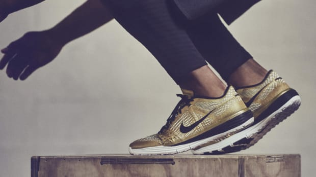 gold-nike-new-lunar-caldra-00