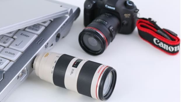 canon-introduces-replica-5ds-dslr-camera-usb-flash-drives-00