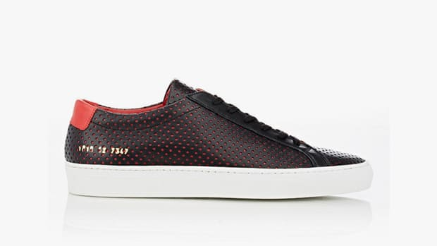 barneys-x-common-projects-introduce-a-limited-edition-achilles-low-0