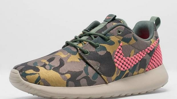 the-nike-womens-roshe-one-prm-jacquard-in-desert-camo-1