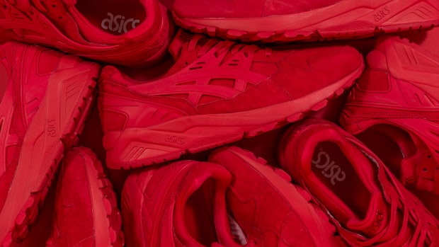 packer-shoes-asics-gel-kayano-trainer-triple-red-00.jpg