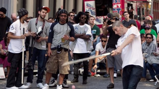 nike-sportswear-21-mercer-nyc-stickball-first-pitch-27