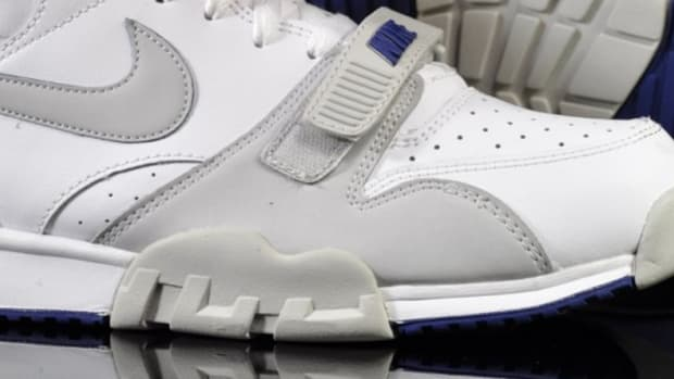 nike-air-trainer-mid-white-royal-grey-05
