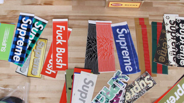 supreme-sticker-570
