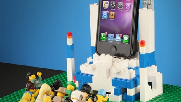 apple-iphone-4-brick-case-lego-03