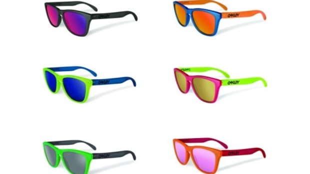 oakley-blacklight-frogskins
