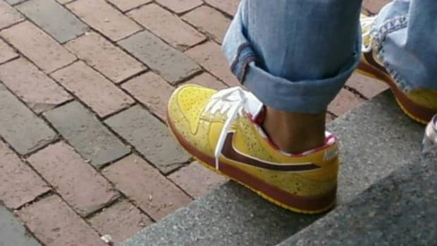 nike-sb-x-concepts-dunk-low-premium-yellow-lobster-5