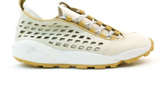 nike-air-footscape-supreme-white-beige-1
