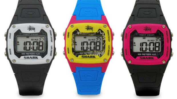 stussy-freestyle-shark-classic-watch