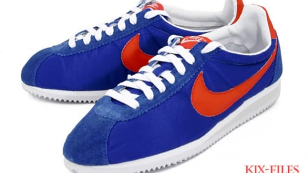 nike-classic-cortez-nylon-hyper-blue-hot-red-1