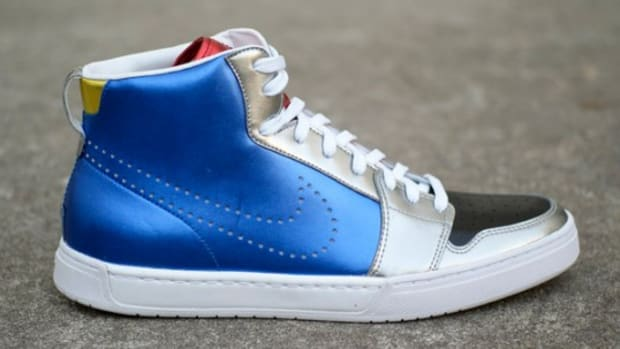 nike_royal_mid_1
