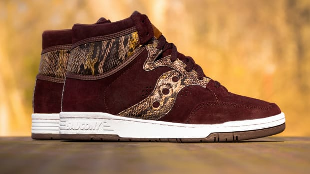 packer-shoes-x-saucony-hangtime-hi-brown-snake-00