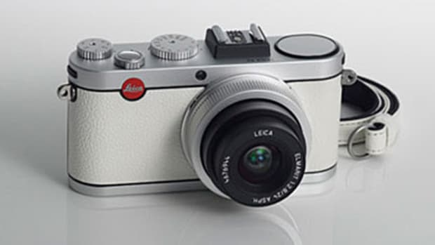 leica-x2-white-limited-edition-camera-daimaru-shinsaibashi-leica-00