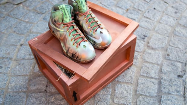 sneaker-con-x-kickasso-nike-lebron-10-liberty-customs-03
