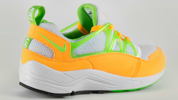 nike-air-huarache-light-atomic-mango-00