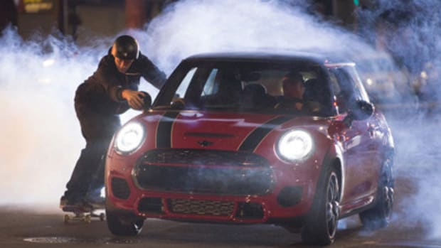 mini-john-cooper-works-tony-hawk-guerlain-chicherit-00