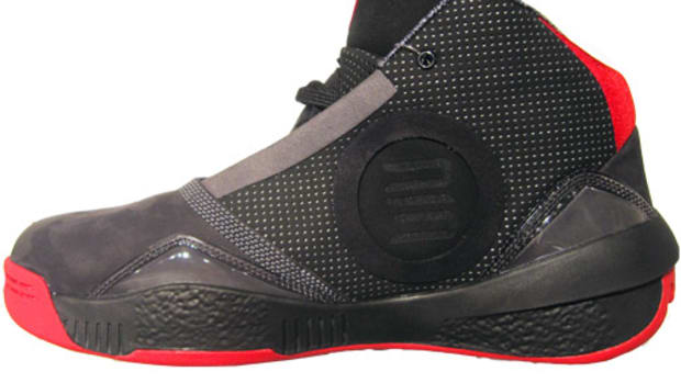 air-jordan-black-red-xxv-02