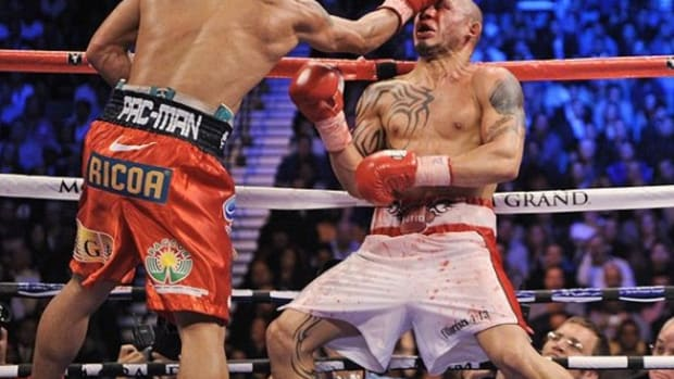 manny-pacquiao-miguel-cotto-ap-mark-terrill
