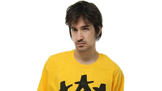 star-crown-t-shirt-yellow