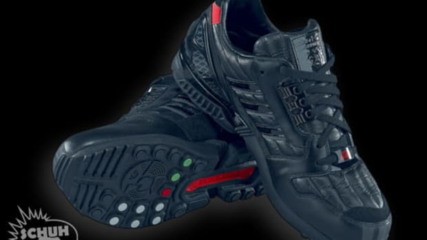 adidas-star-wars-darth-vader-zx-8000-03