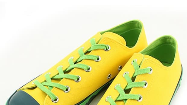 drippy-sneaker-yellow
