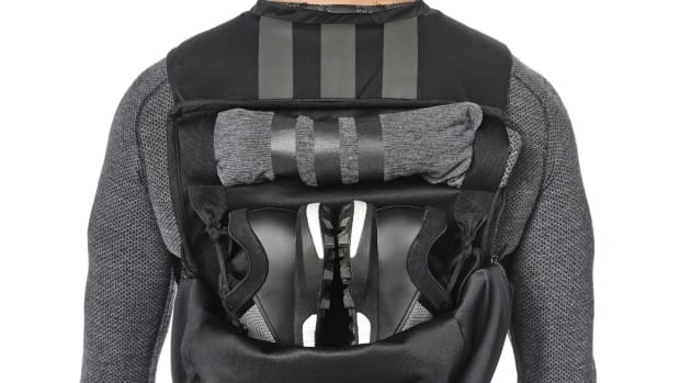 y-3-sport-backpack-00.jpg