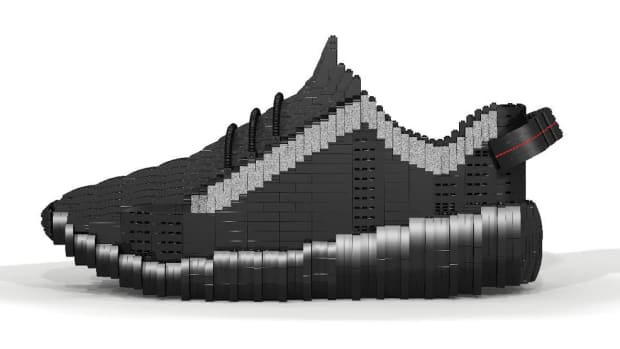 lego-yeezy-boost-350-pirate-black-01.jpg