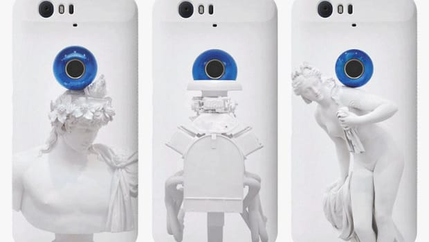 jeff-koons-nexus-phone-cases-01.jpg