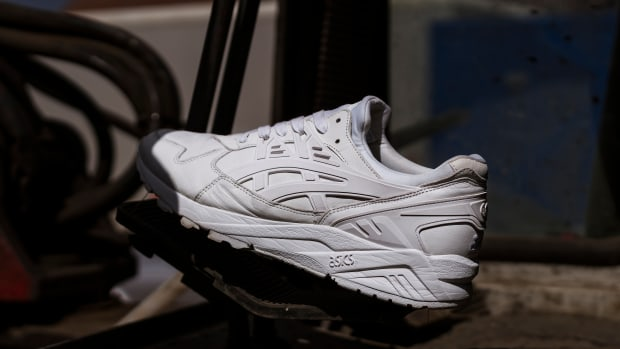 size-asics-gel-kayano-trainer-white-italian-leather-01.jpg