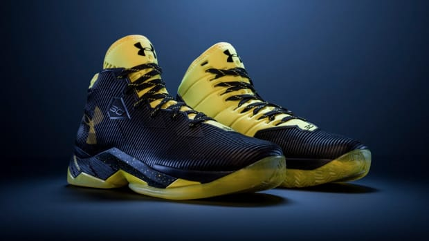 under-armour-curry-2-5-black-taxi-00.jpg