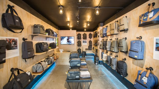 hex-first-retail-store-downtown-los-angeles-00.jpg