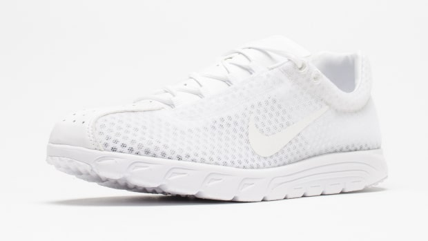nike-mayfly-triple-white-01.jpg