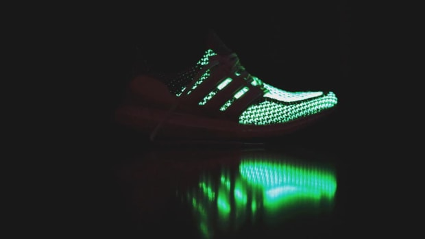 adidas-ultra-boost-glow-in-the-dark-02.jpg