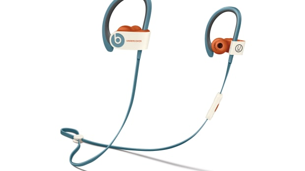 beats-by-dre-undercover-earphones-00.jpg