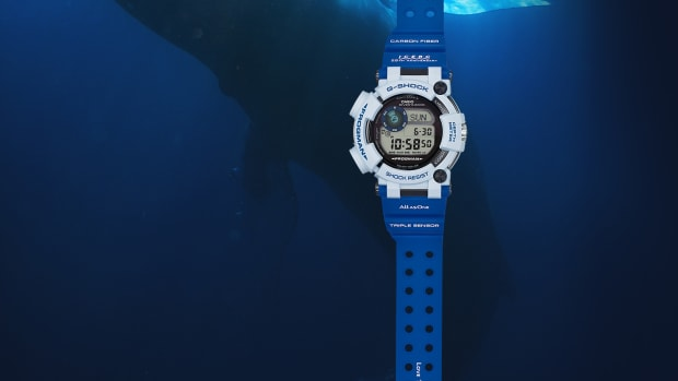 casio-g-shock-gwf-d1000k-7jr-frogman-love-the-sea-and-the-earth-01.jpg