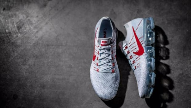 nike-vapormax-grey-red-01